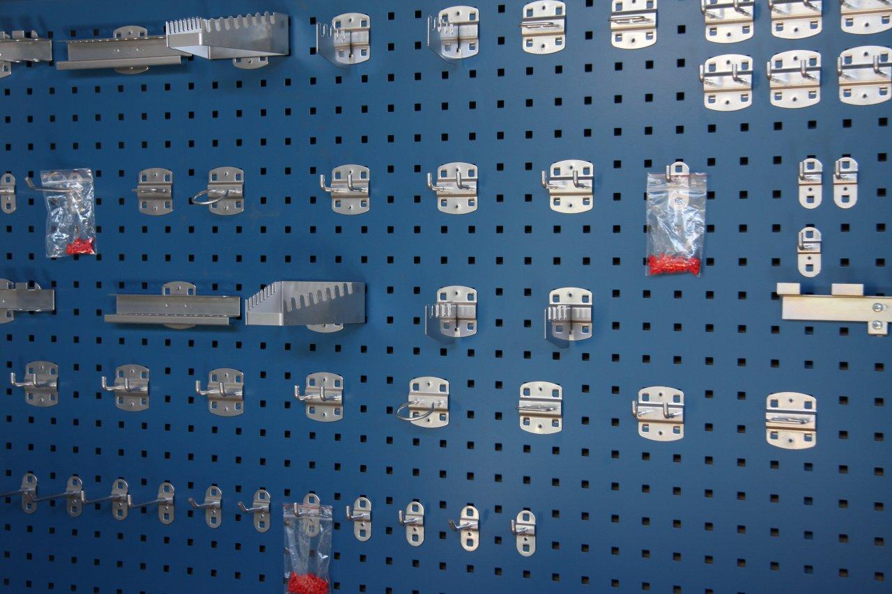 Wandborden  hang uw gereedschap overzichtelijk op   Blok Interrek BV