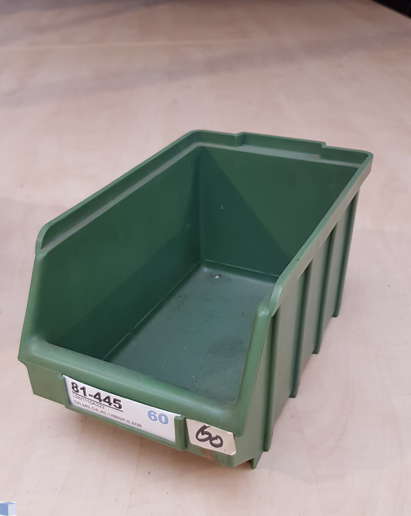 Kunststof stapelbak 230x145x130mm. groen, stapelbaar
