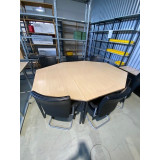 8-hoekige vergadertafel 220x160cm.